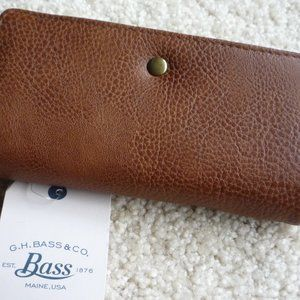 Bass ladies leather wallet
